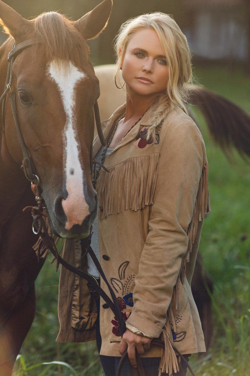 Miranda Lambert Nude Photos 25